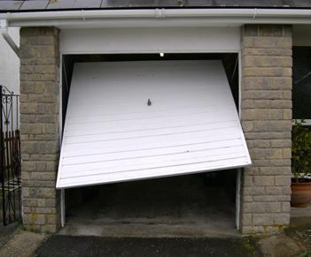 Attirant Answers To Common Garage Door Repair FAQs