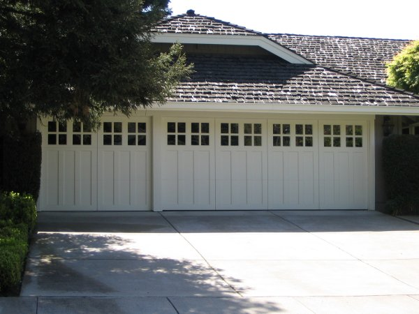 Superior 1000B Wood Carriage Garage Doors 4 Grids In Alamo