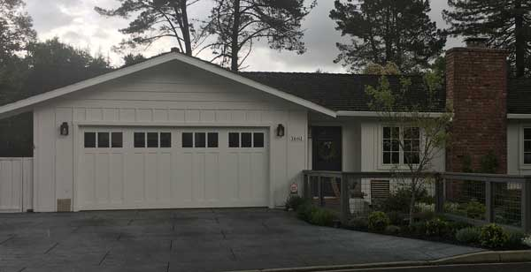Six Great Reasons To Invest In A New Residential Garage Door